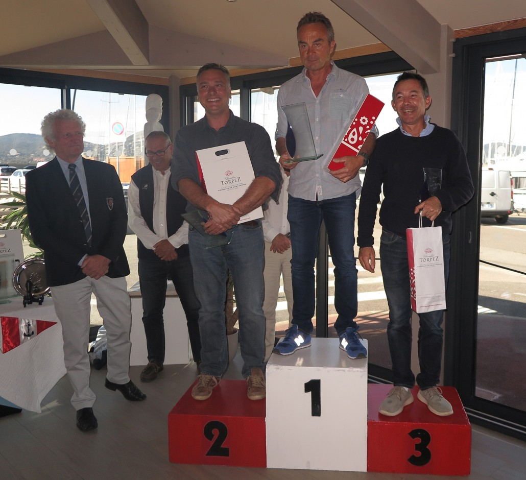 Podium_SOLO_AuLargeStTrop2017
